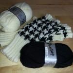 zwart-wit handschoenen met garen